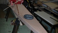 Hallo Zusammen, vorgestern haben wir zusammen die Rohlinge für die Decks ausgeschnitten. Nach dem wir die vorbereiteten Sperrholzplatten grob auf die passende Länge gekürzt hatten, habe ich die Platten oben […]
